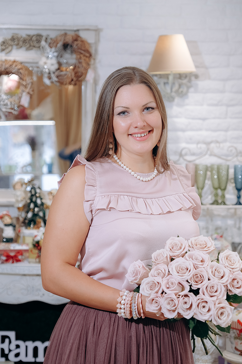 Наталья - основатель студии, шеф-флорист, декоратор